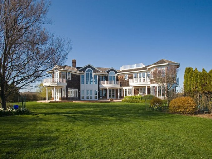 Einfamilienhaus for rentals at Gorgeous Waterfront in Fordune  Southampton, New York 11968 Vereinigte Staaten
