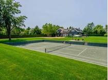 Maison unifamiliale for sales at Stylish First Neck Lane Pool and Tennis 101 First Neck Lane   Southampton, New York 11968 États-Unis