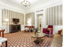 Кооперативная квартира for sales at St. Regis Residence Club 2 East 55th Street Apt 1136  Midtown East, New York, Нью-Мексико 10022 Соединенные Штаты