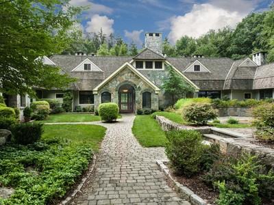 Частный односемейный дом for sales at 17 Heronvue  Greenwich, Коннектикут 06831 Соединенные Штаты
