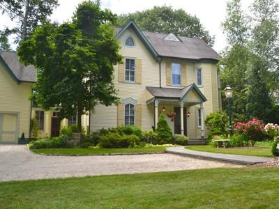 "Nhà ở một gia đình for sales at Riverside ""Painted Lady"" 150 Riverside Avenue Riverside, Connecticut 06878 Hoa Kỳ"