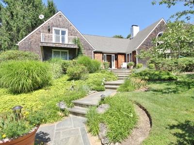 Nhà ở một gia đình for sales at Southampton, Excellent Value  Southampton, New York 11968 Hoa Kỳ