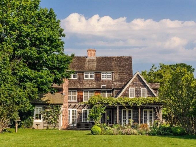 Single Family Home for rentals at Historic Golightly Estate  Sagaponack, New York 11962 United States