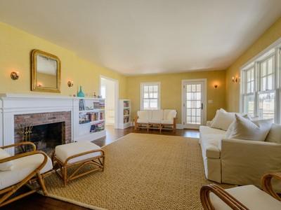 Частный односемейный дом for sales at Sagaponack Hedges Lane  Sagaponack, Нью-Мексико 11962 Соединенные Штаты