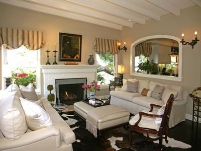 Casa para uma família for sales at Sophisticated Cottage Escolle Way 2 Ne Of Perry Newberry Carmel By The Sea, Califórnia 93921 Estados Unidos