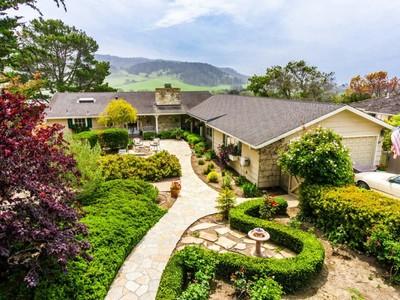 獨棟家庭住宅 for sales at Classic Carmel Charm 3508 Lazarro Drive Carmel, 加利福尼亞州 93923 美國