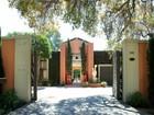 Villa for  sales at Contemporary Villa Estate 543 Columbia Street  South Pasadena, California 91030 Stati Uniti