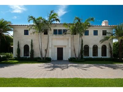 Casa para uma família for sales at Stunning Dunbar Home  Palm Beach, Florida 33480 Estados Unidos
