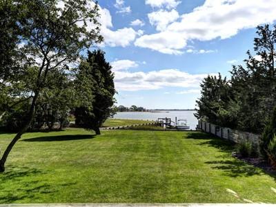 Maison unifamiliale for sales at Scenic Waterfront Living 23 & 25 Koral Drive  Southampton, New York 11968 États-Unis