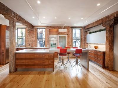 合作公寓 for sales at High Tech Rustic Charm 325 West 16th Street Apt 4e   New York, 纽约州 10011 美国