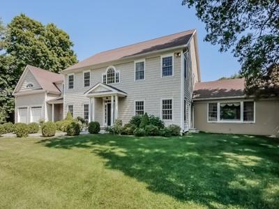 Maison unifamiliale for sales at King Merritt Lakefront 27 Bowman Drive North Greenwich, Connecticut 06831 États-Unis