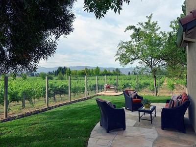 Vivienda unifamiliar for sales at Vineyard View Home 150 Old Vine Way Napa, California 94558 Estados Unidos