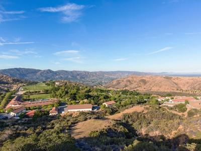 Ferme / Ranch / Plantation for sales at Magnificent World Class Facility  Simi Valley, Californie 93063 États-Unis