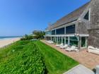 Casa para uma família for  sales at Lily Pond Oceanfront  East Hampton, Nova York 11937 Estados Unidos