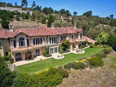 for sales at Elegant Mediterranean Estate in Monterra 7422 Alturas Court Monterey, California 93940 Stati Uniti