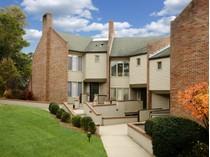 共管式独立产权公寓 for sales at Meadgate Greenwich 101 Lewis Street, Unit B   Greenwich, 康涅狄格州 06830 美国