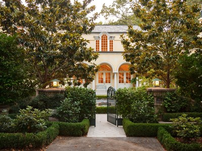 Maison unifamiliale for sales at Modern Italian Villa on Ross' Gold Coast 2 Upper Road Ross, Californie 94957 États-Unis
