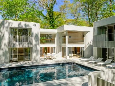 Einfamilienhaus for sales at Inspired Modern Design,  Sag Harbor, New York 11963 Vereinigte Staaten