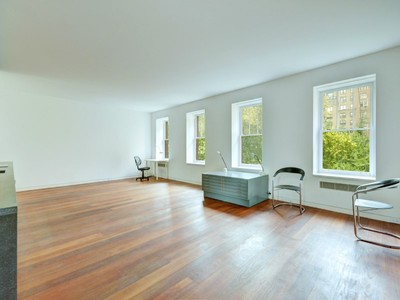 Coopérative for sales at Alchemy: A James Turrell Space 26 Gramercy Park South Apt 5ab New York, New York 10003 États-Unis