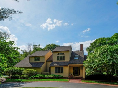 Single Family Home for sales at Beautiful 2.76 Acre Seapuit Estate 60 Smoke Valley Road Osterville, Massachusetts 02655 United States