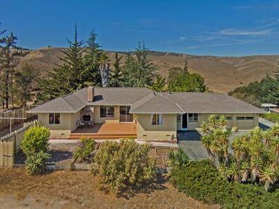 Vivienda unifamiliar for sales at Pastoral Living Off Highway 68 777 Salinas Monterey Highway  Salinas, California 93908 Estados Unidos