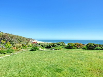 Vivienda unifamiliar for sales at Rare Zuma Beach Bluff Property 29751 Pacific Coast Highway  Malibu, California 90265 Estados Unidos