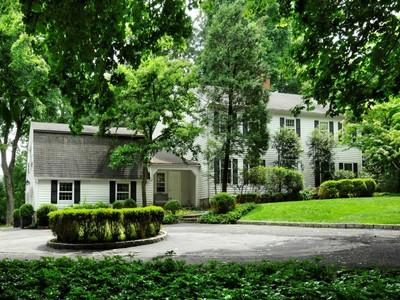 独户住宅 for sales at Mid-Country Colonial Classic  Greenwich, 康涅狄格州 06830 美国
