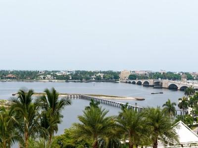Copropriété for sales at Trump Plaza 525 S Flagler Dr Apt 8a West Palm Beach, Florida 33401 États-Unis