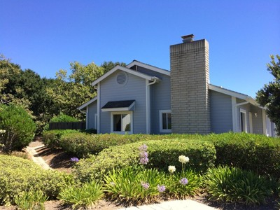 Stadthaus for sales at Single-Level Townhome 6073 Ashley Place Goleta, Kalifornien 93117 Vereinigte Staaten