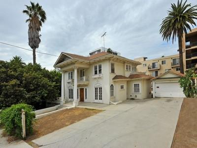 独户住宅 for sales at Opportunities are knocking at 1905 Grace 1905 Grace Avenue  Los Angeles, 加利福尼亚州 90068 美国