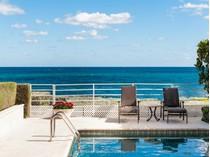 Maison de Ville for sales at Direct Oceanfront Townhome 6 Sloans Curve Dr   Palm Beach, Florida 33480 États-Unis