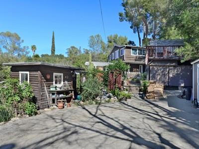 Vivienda unifamiliar for sales at Living is Easy 522 Glen Trail Topanga, California 90290 Estados Unidos
