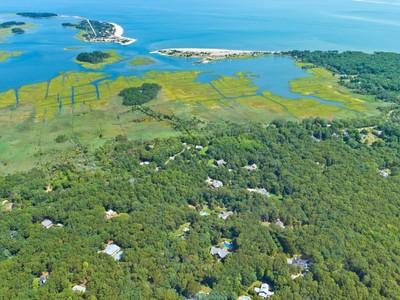 土地,用地 for sales at Over Two Acres in the Springs  East Hampton, 纽约州 11937 美国