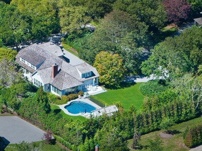 Maison unifamiliale for sales at Charming Country Home  East Hampton, New York 11937 États-Unis