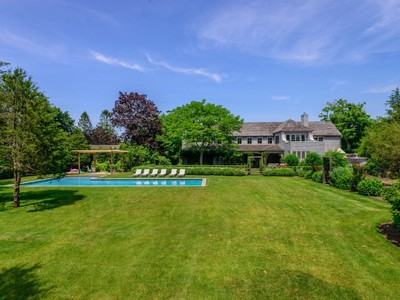 Maison unifamiliale for sales at Private Oasis, Coveted Georgica Road  East Hampton, New York 11937 États-Unis