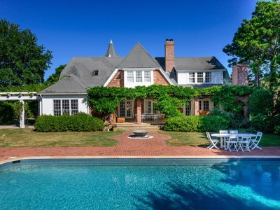 Moradia for sales at Historic Estate with Pool & Tennis 45 Meadowmere Lane Southampton, Nova York 11968 Estados Unidos