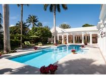 Vivienda unifamiliar for sales at Beautiful Blossom Way 70 Blossom Way   Palm Beach, Florida 33480 Estados Unidos
