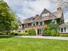 Villa for  sales at Classic East Hampton Estate  East Hampton, New York 11937 Stati Uniti