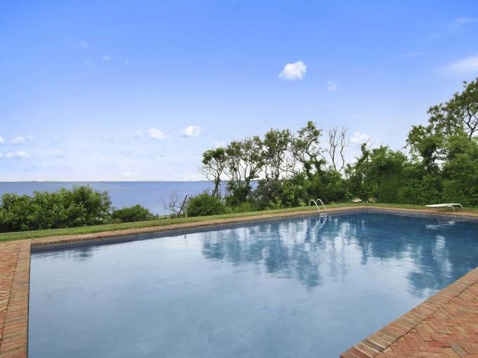 独户住宅 for sales at Spectacular Waterfront 21 Sweet Briar Road Southampton, 纽约州 11968 美国