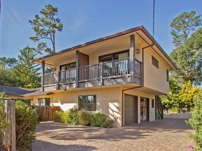 獨棟家庭住宅 for sales at Income Opportunity in Carmel Ne Corner 3rd At Junipero Carmel By The Sea, 加利福尼亞州 93921 美國