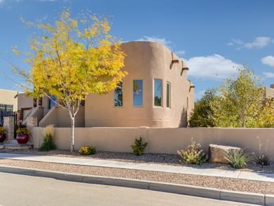 Casa Unifamiliar for sales at 138 Avenida Frijoles   Santa Fe, Nuevo Mexico 87507 Estados Unidos