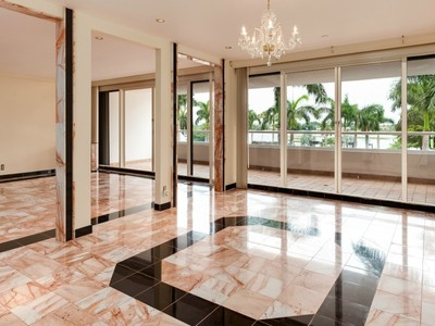 共管物業 for sales at Stunning Trump Plaza Townhouse 529 S Flagler Drive Th3h West Palm Beach, 佛羅里達州 33401 美國