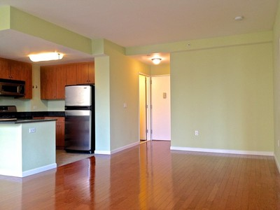 Condominium for sales at Spacious Contemporary on the River 455 Main Street Apt 5j New York, New York 10044 United States