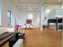 Condominio for sales at 155 Perry Street    New York, New York 10014 Stati Uniti