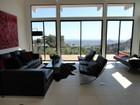 Casa para uma família for  rentals at Superb Location with Jetliner Views 2001 Sunset Plaza Drive Los Angeles, Califórnia 90069 Estados Unidos