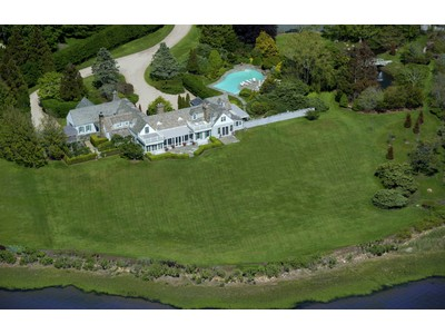 Moradia for sales at Captains Neck Bayfront Estate 595 Captains Neck Lane Southampton, Nova York 11968 Estados Unidos