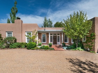 Maison unifamiliale for sales at 834 El Caminito   Santa Fe, New Mexico 87505 États-Unis