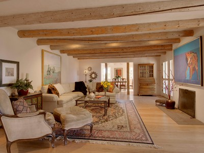 Einfamilienhaus for sales at 122 Circle Drive   Santa Fe, New Mexico 87501 Vereinigte Staaten