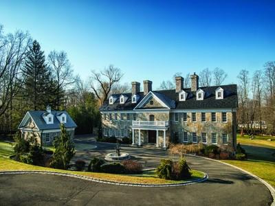 Villa for sales at Desirable Mid-Country Estate   Greenwich, Connecticut 06830 Stati Uniti
