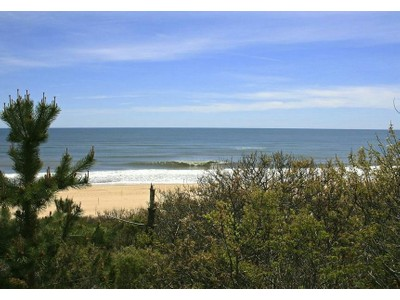 Land for sales at Three Oceanfront Acres of Land  Montauk, New York 11954 Vereinigte Staaten